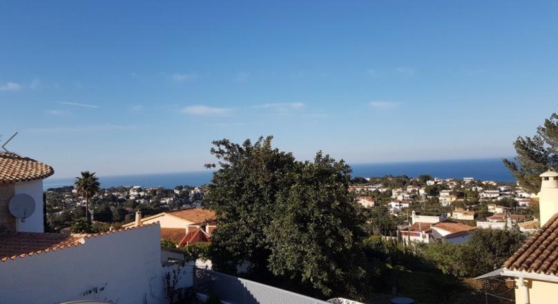 Villa en venta con vistas al mar y apartamento independiente
