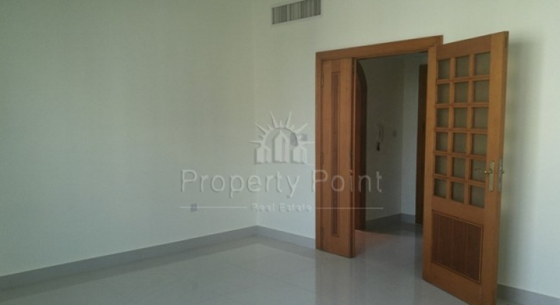 2 BHK InThe premium location Murorr Rd With modern Finishing Only 65K