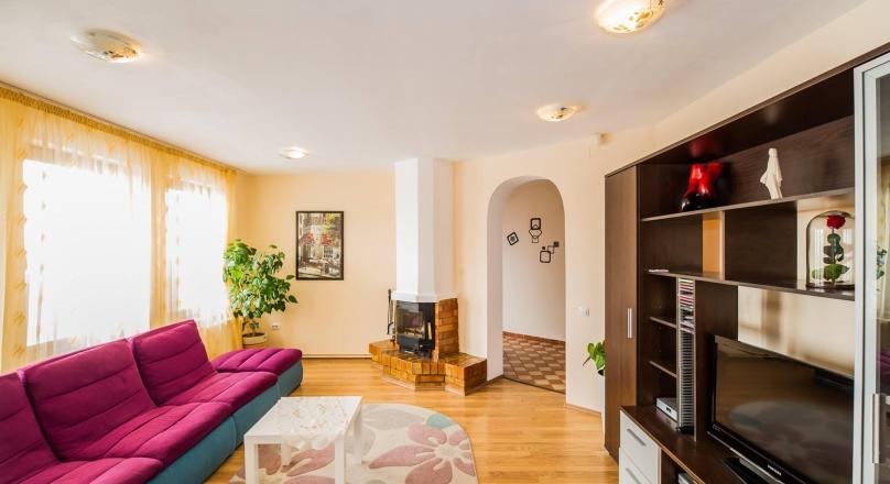 SEE VIRTUAL TOUR !! Villa in presentation distinctive Brasov Stupini