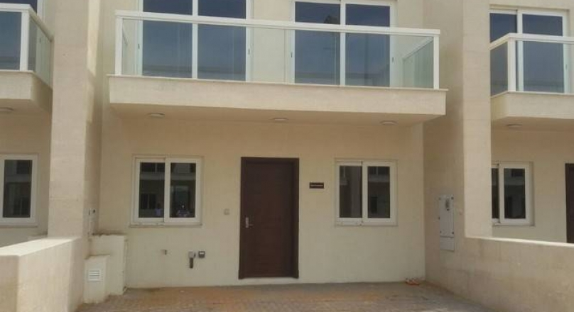 Sale Al Warsan Townhouse Single Row Villa 3 Maids Room