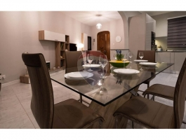 Beautifully renovated and furnished 3 bedroom 3 bathroom Townhouse