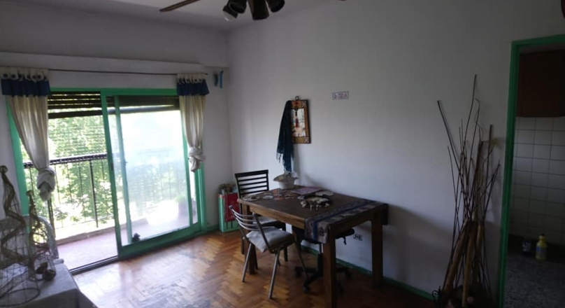 2 rooms for sale with the best view of the very bright Chacabuco park