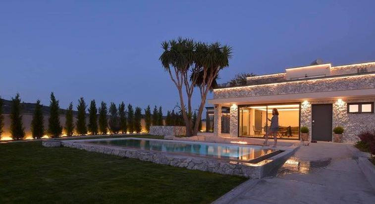 SEASIDE LUXURY VILLA IN CORFU, GREECE