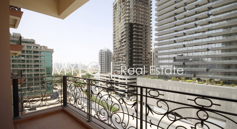 Properties for Sale in Dubai : Immaculate One Bed in Canal Residence