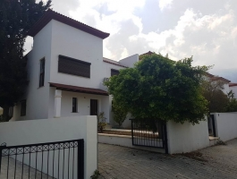 3 Bedrooms Luxury Villa For Sale in Girne / Dogankoy.