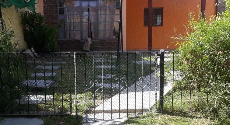 House for sale in Lago Pellegrini-Cinco Saltos.