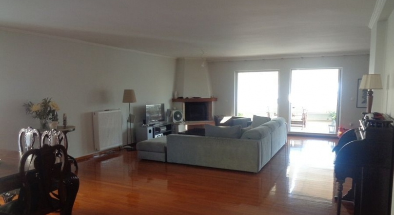 Maisonette for sale Palaio Faliro, Floisvos