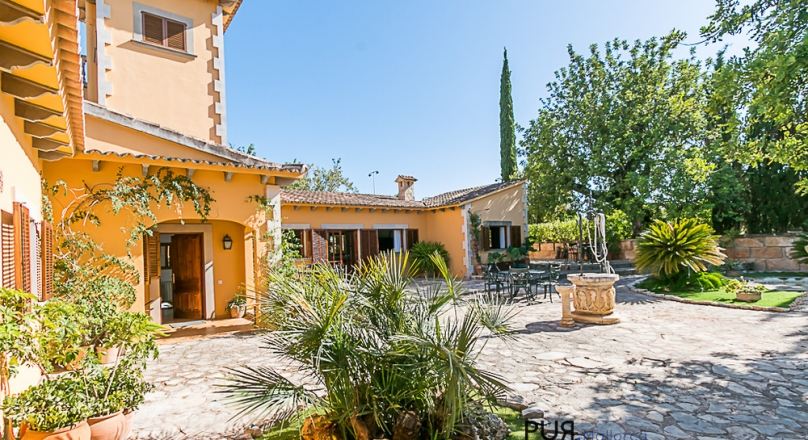 Palma. Establiments - 10 minutes to the Paseo in Palma. In the middle of nature. Mallorca PUR.