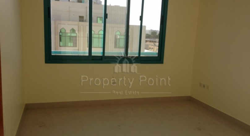 2 Bed Rooms In Murorr St With Nice Finishing As A Prand New With Availble Public Parking Only 70K