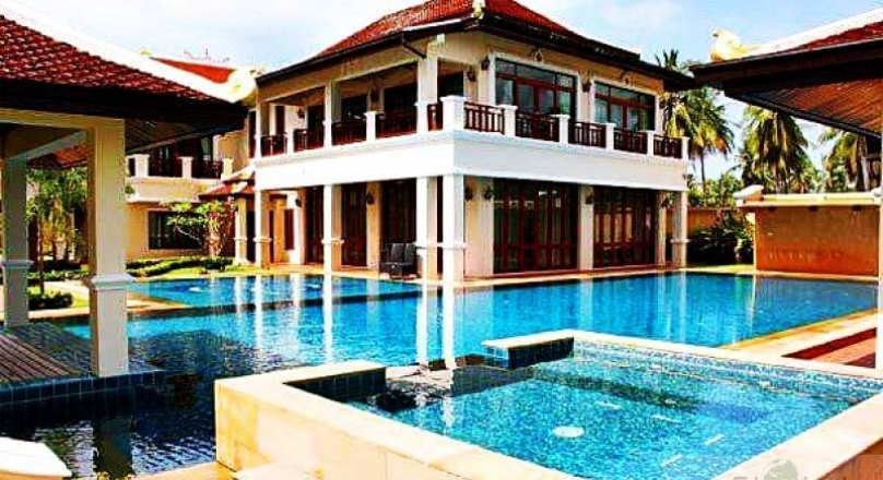 LUXURY POOL VILLA AT PHOENIX GOLD GOLF & COUNTRY CLUB HUAY YAI PATTAYA