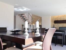 Modern villa, in excellent condition, inserted in a quiet area
