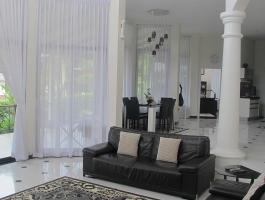 Luxury Villa with a beautiful garden East Pattaya, Bang Lamung, Chonburi