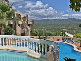 Paguera. Monte Esmeralda. From the top. View over the sea and the bay. Penthouse.