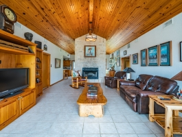 Hunter's Paradise!! A gorgeous home that sits on 70 acres of spacious East Texas land