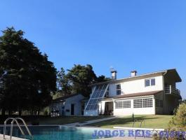VILLA FOR SALE WITH POOL AND TENNIS COURT IN ESPOSENDE