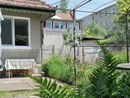 One level house, in Brasov, with 650 sqm of land and garage.