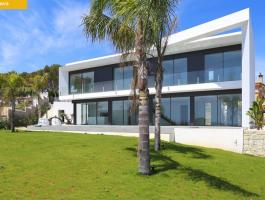 Newly built modern villa in Benissa La Fustera with sea views.