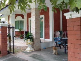 Single house for rent soi thappaya