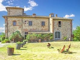 Prestigious Country Property of 27 rooms in Venta San Casciano in Val di Pesa, Tuscany.