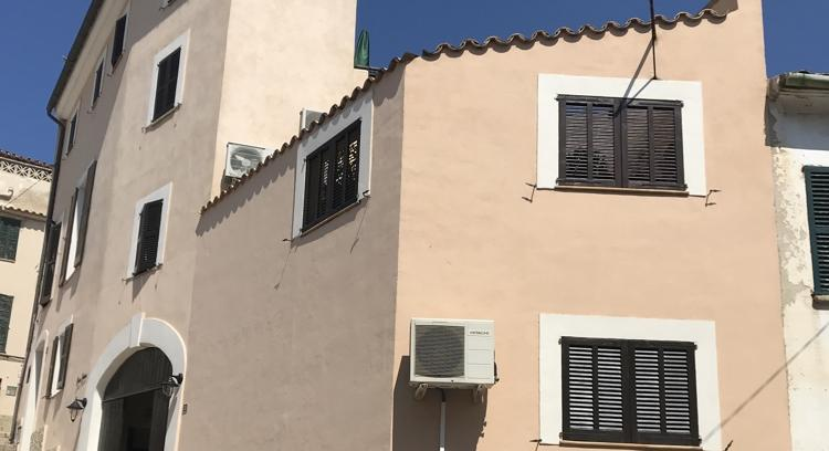 A town house. In Andratx. Really Mallorcan. Really cozy.