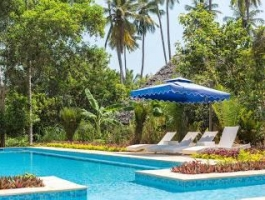 13 Rooms Luxurious Beach Villas and Bungalows for sale