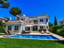High quality villa in Nova Santa Ponsa. Luxury PUR. From A to Z. And of course sea views.