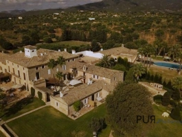 Santa Maria del Cami. Highly attractive region in the well-known wine growing area. 21 rooms/suits.