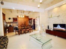 ZEJTUN - New on the market comes this beautifully converted two bedroom