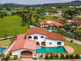 Pool villa for sale at Mabprachan Lake, Near Highway 7, Pattaya
