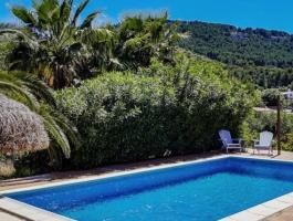 Capdepera. Finca. Good condition. And with a vacation rental license.