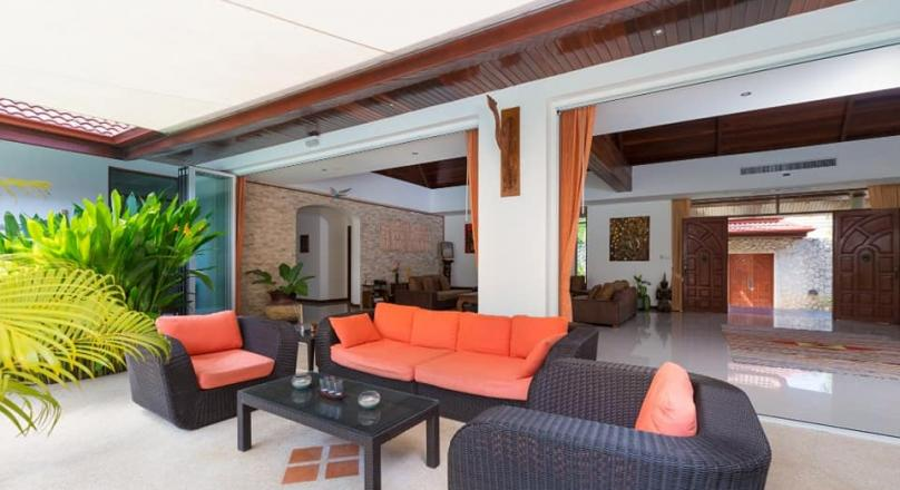 Phuket quality real estate offers for the golf lovers this beauty of a 3 bedroom villa