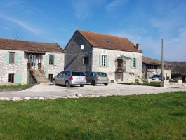 Beautiful property, in the countryside with cottage, main house