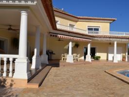 Villa de lujo en venta 5 dormitorios en Denia