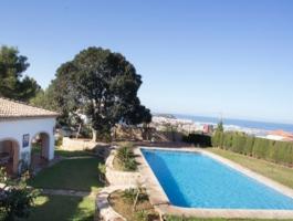 Villa en venta con 5 dormitorios y vistas al mar en Dénia