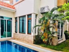 4 bedrooms - 4 bathrooms - House