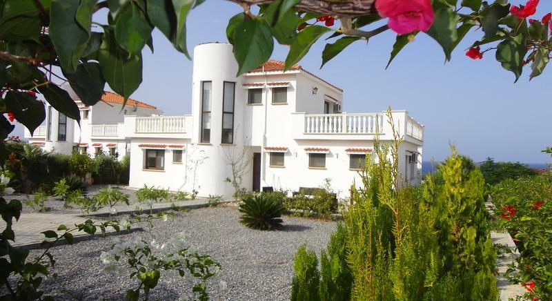 3 bedrooms villa, Bahceli