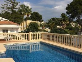Villa en venta con vistas al mar en Moraira