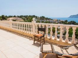 Villa en venta 7 dormitorios con vistas al mar en San Jaime Moraira