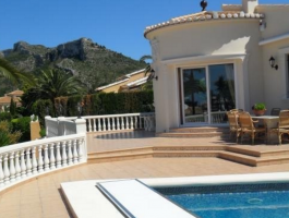 Modern luxury villa for sale with 5 bedrooms in Dénia
