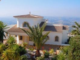 Villa en venta 5 dormitorios con vistas al mar en Moraira