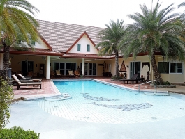 Luxury Resort Style Pool Villa Huay Yai Pattaya
