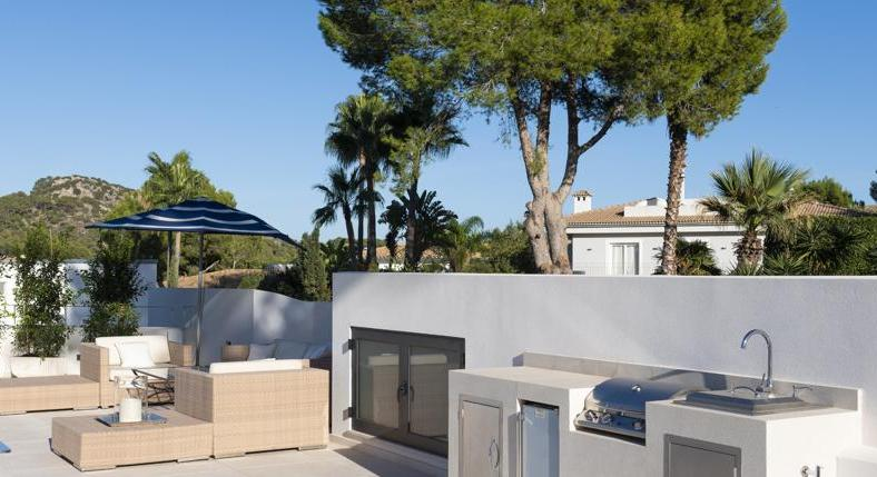 Villa. Santa Ponsa. With very special architecture. Completely renovated.